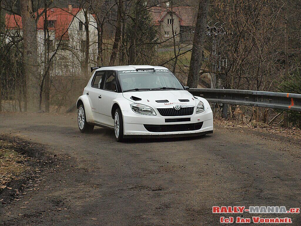 http://www.rally-mania.cz/fotogalerie/2010/683/683_Skoda_fabia_s2000_evo2_e2cbedaeb2.jpg